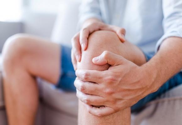 Случай из практики. Травма колена и разнообразие подходов к коррекции.
